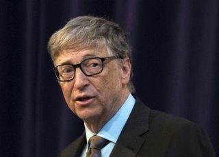 """빌 게이츠 """"코로나19, 2022년 종식 가능…내년 백신 보급"""""""