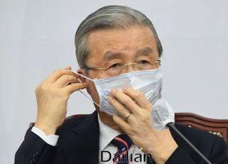 김종인 경제 '좌클릭', 쌍수 들고 환영하는 민주당