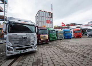 현대차 수소전기트럭 유럽 현지 인도…글로벌 사업 확대 본격화