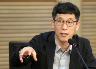 """진중권 """"청와대, 대한민국에서 제일 부패한 곳"""""""