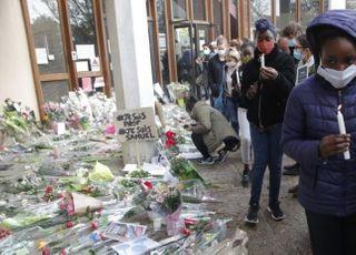 프랑스, 교사 참수에 분노…줄 잇는 '나는 사뮤엘이다' 집회