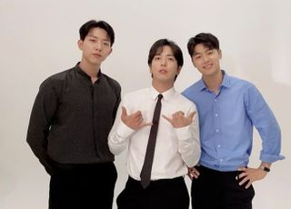 씨엔블루, FNC와 재계약 체결…올해 새 앨범으로 컴백