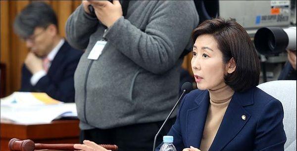 """나경원 '집중 공세'하며 증인으론 못 부르는 민주당…""""뭐가 두렵나?"""" 반발"""